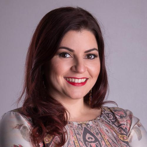 Patrícia Cândido - Autora